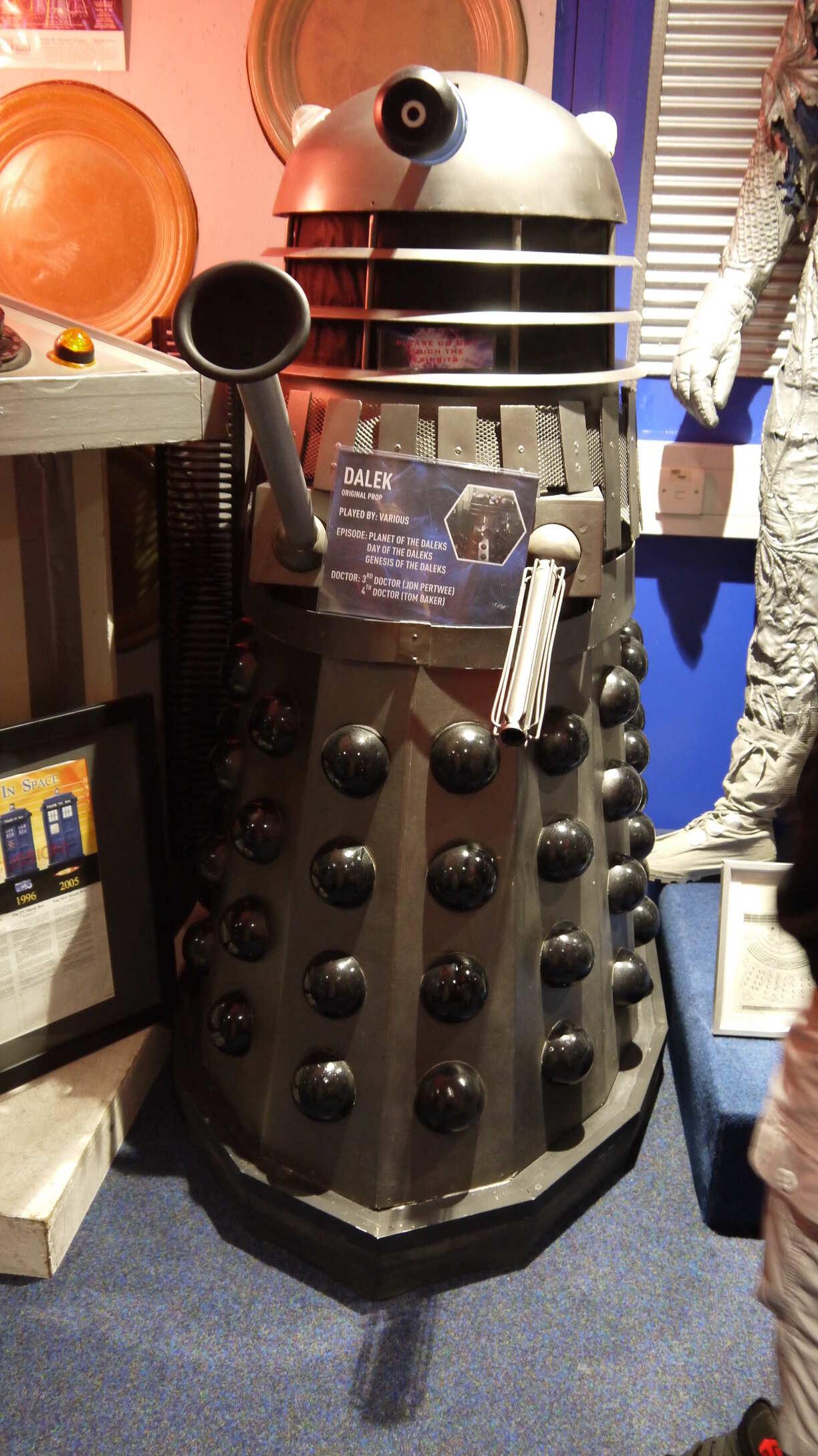 Dalek ayant servi dans la série dans le musée Dr Who
