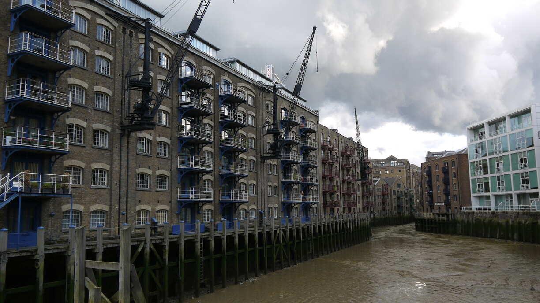 Un wharf résidentiel très industriel
