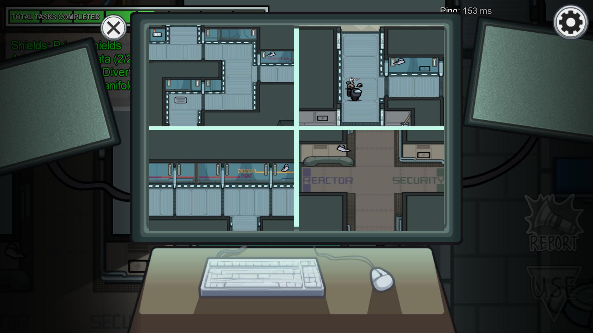 L'écran est subdivisé en quatre affichant différents endroits de la map
