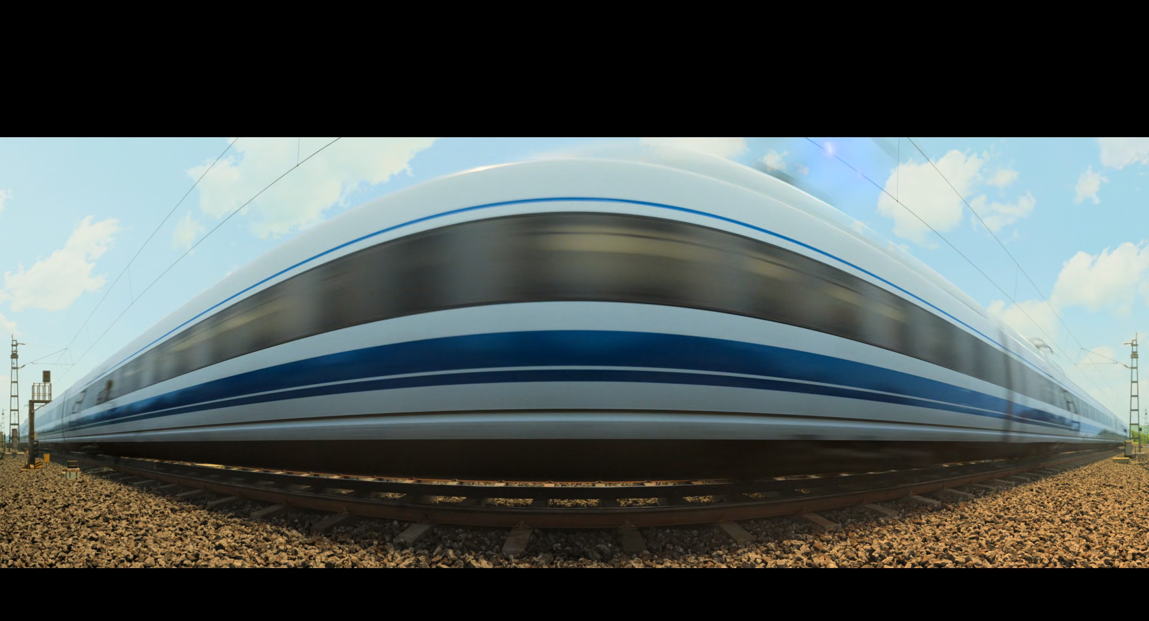 Screenshot où un train de type TGV passe devant la caméra